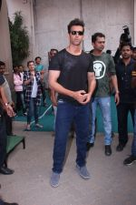 Hrithik Roshan snapped at Mehboob on 16th Nov 2016 (7)_582d55e6e5580.JPG