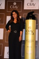 Kajol at Olay event on 16th Nov 2016 (31)_582d5ea73b4bb.JPG