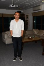 Nitesh Tiwari at Dangal interview in Mumbai on 16th Nov 2016 (1)_582d5c99d8920.JPG