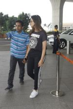 Parineeti Chopra snapped at airport on 16th Nov 2016 (29)_582d5c3ab8787.JPG