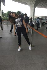 Parineeti Chopra snapped at airport on 16th Nov 2016 (32)_582d5c3e5499c.JPG