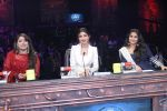 Vidya Balan on the sets of Super Dancer on 16th Nov 2016 (1)_582d54e042a0f.JPG