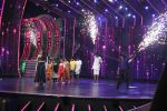 Vidya Balan on the sets of Super Dancer on 16th Nov 2016 (3)_582d54e1a39ea.JPG