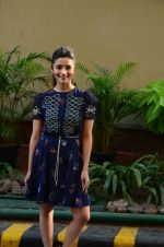 Alia Bhatt promotes Dear Zindagi on 17th Nov 2016 (3)_582e94fa66dd0.jpg
