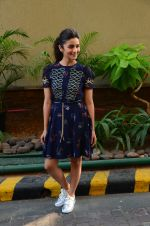 Alia Bhatt promotes Dear Zindagi on 17th Nov 2016 (5)_582e94fce48e1.jpg