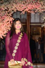Alka Yagnik at Wedding reception of stylist Shaina Nath daughter of Rakesh Nath on 17th Nov 2016 (106)_582eab9f3c30e.JPG