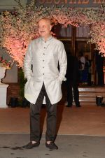 Anupam Kher at Wedding reception of stylist Shaina Nath daughter of Rakesh Nath on 17th Nov 2016 (58)_582eabbe8c990.JPG