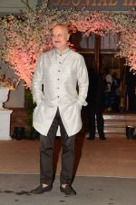 Anupam Kher at Wedding reception of stylist Shaina Nath daughter of Rakesh Nath on 17th Nov 2016 (62)_582eabc13fc39.JPG