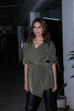 Esha Gupta at Force 2 screening at Sunny Super Sound on 17th Nov 2016 (5)_582ea5f9cac9a.JPG