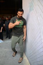 John Abraham at Force 2 photo shoot in Mumbai on 17th Nov 2016 (96)_582ea665434dd.JPG