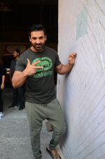 John Abraham at Force 2 photo shoot in Mumbai on 17th Nov 2016 (99)_582ea6674ad15.JPG