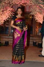 Madhoo Shah at Wedding reception of stylist Shaina Nath daughter of Rakesh Nath on 17th Nov 2016 (25)_582eac605182f.JPG