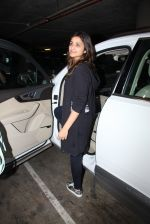 Parineeti Chopra snapped at airport on 17th Nov 2016 (20)_582ea513ae9e6.JPG