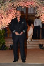 Rakesh Roshan at Wedding reception of stylist Shaina Nath daughter of Rakesh Nath on 17th Nov 2016 (121)_582eace6e7daf.JPG