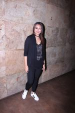 Sonakshi Sinha at Force 2 screening in Lightbox on 17th Nov 2016 (21)_582ea747ac323.JPG