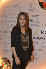 Sonakshi Sinha at Koovs launch by Gauri and Nainika on 17th Nov 2016 (242)_582eaaa8b54ad.JPG