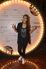 Sonakshi Sinha at Koovs launch by Gauri and Nainika on 17th Nov 2016 (234)_582eaaa4190b3.JPG