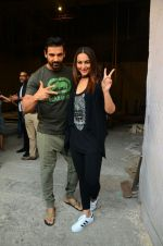 Sonakshi Sinha, John Abraham at Force 2 photo shoot in Mumbai on 17th Nov 2016 (3)_582e9508afeef.jpg