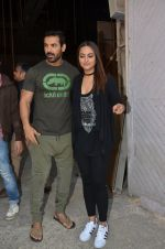 Sonakshi Sinha, John Abraham at Force 2 photo shoot in Mumbai on 17th Nov 2016 (57)_582ea667dd362.JPG