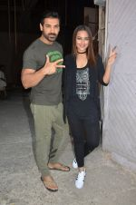 Sonakshi Sinha, John Abraham at Force 2 photo shoot in Mumbai on 17th Nov 2016 (61)_582ea6690ca90.JPG