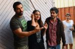Sonakshi Sinha, John Abraham at Force 2 photo shoot in Mumbai on 17th Nov 2016 (72)_582ea66a3860d.JPG
