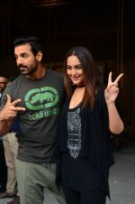 Sonakshi Sinha, John Abraham at Force 2 photo shoot in Mumbai on 17th Nov 2016 (81)_582ea66bed44a.JPG
