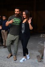 Sonakshi Sinha, John Abraham at Force 2 photo shoot in Mumbai on 17th Nov 2016 (86)_582ea6dff0102.JPG