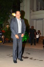 Udit Narayan at Wedding reception of stylist Shaina Nath daughter of Rakesh Nath on 17th Nov 2016 (105)_582ead3c975d7.JPG