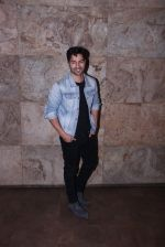 Varun Dhawan at Force 2 screening in Lightbox on 17th Nov 2016 (12)_582ea760ad690.JPG