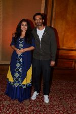 Vidya Balan and Arjun Rampal promote Kahaani 2 on 17th Nov 2016 (10)_582ea77984787.JPG