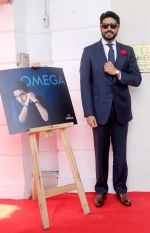 Abhishek Bachchan joins OMEGA in Delhi to celebrate the success of the World�s First Master Chronometer on 18th Nov 2016 (8)_58305f35959a3.jpg