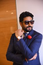 Abhishek Bachchan joins OMEGA in Delhi to celebrate the success of the World�s First Master Chronometer on 18th Nov 2016 (5)_58305f4fdbf15.JPG