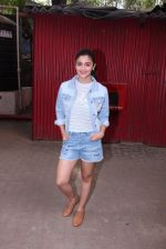 Alia Bhatt snapped in Mumbai on 18th Nov 2016 (18)_5830663d200cc.JPG