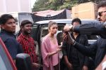 Alia Bhatt snapped in Mumbai on 18th Nov 2016 (1)_583066324d3a6.JPG
