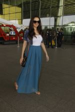 Evelyn Sharma snapped at airport on 18th Nov 2016 (33)_583065f277451.JPG