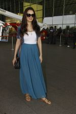 Evelyn Sharma snapped at airport on 18th Nov 2016 (28)_583065eeaa0f7.JPG