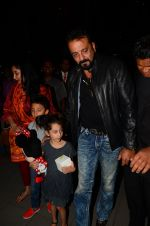 Sanjay Dutt, Manyata Dutt with Kids on 18th Nov 2016 (22)_583067a1a3133.JPG