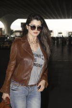 Kainaat Arora snapped at airport on 19th Nov 2016 (50)_58329cf8768fa.JPG