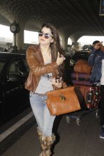 Kainaat Arora snapped at airport on 19th Nov 2016 (42)_58329cf0cb986.JPG
