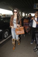 Kainaat Arora snapped at airport on 19th Nov 2016 (43)_58329cf210c16.JPG