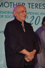 Mahesh Bhatt graces Mother Teresa Memorial International Awards on 20th Nov 2016 (12)_5832a50b8cf63.JPG