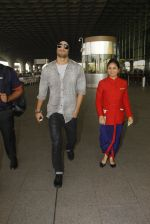 Sushant Singh Rajput snapped at airport on 19th Nov 2016 (33)_58329d1e87454.JPG