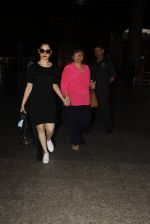 Urvashi Rautela snapped at airport on 19th Nov 2016 (53)_58329d2ebf4e8.JPG