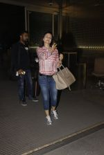 Ameesha Patel snapped at airport on 21st Nov 2016 (57)_5833eb716ec50.JPG