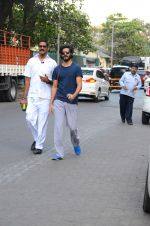 Harshvardhan Kapoor snapped taking a walk on 21st Nov 2016 (13)_5833ec1dc5d67.JPG