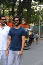 Harshvardhan Kapoor snapped taking a walk on 21st Nov 2016 (19)_5833ec236d1db.JPG