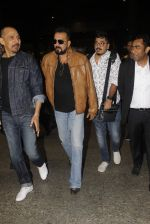 Sanjay Dutt snapped at airport on 21st Nov 2016 (33)_5833ebb64f739.JPG