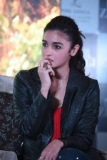 Alia Bhatt at Dear Zindagi press meet on 22nd Nov 2016 (75)_5835374ead4a9.JPG