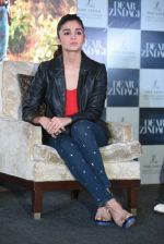 Alia Bhatt at Dear Zindagi press meet on 22nd Nov 2016 (69)_5835372d8a3c1.JPG
