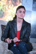 Alia Bhatt at Dear Zindagi press meet on 22nd Nov 2016 (76)_58353730c9654.JPG